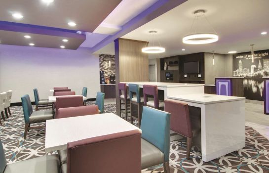 Restaurant La Quinta Inn & Suites by Wyndham Cleveland Airport West