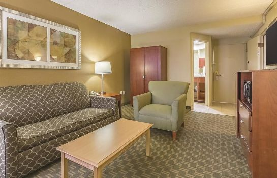 Pokój standardowy La Quinta Inn & Suites Cleveland Airport West