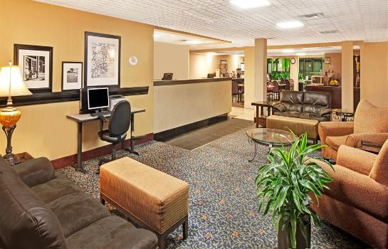 Lobby BAYMONT INN & SUITES HOUSTON-