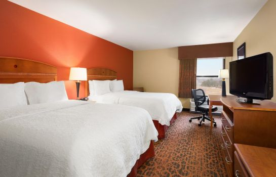 Zimmer Hampton Inn Wichita-East