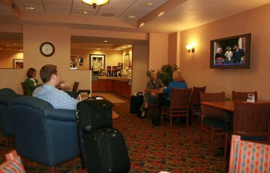 Lobby Hampton Inn Milwaukee-Airport WI