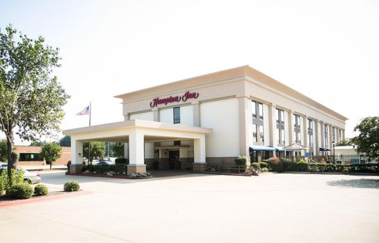 Exterior view Hampton Inn Marshall