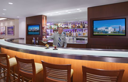 Bar del hotel InterContinental Hotels SUITES HOTEL CLEVELAND