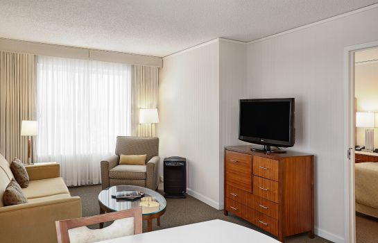 Suite InterContinental Hotels SUITES HOTEL CLEVELAND