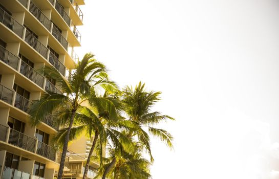 Exterior view Outrigger Reef
