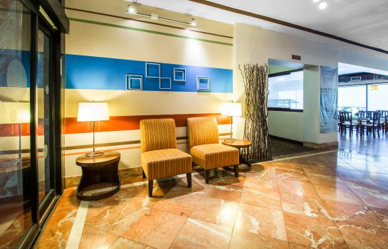 Hotelhal Quality Inn & Suites