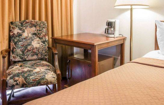 Zimmer Quality Inn and Suites Beachfront