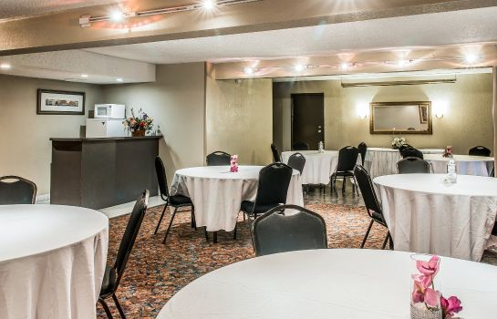 Sala de reuniones QUALITY INN AND SUITES