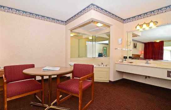 Suite Red Carpet Inn & Suites Carneys Point