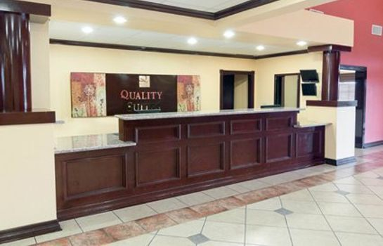 Vestíbulo del hotel Quality Suites Intercontinental Airport West
