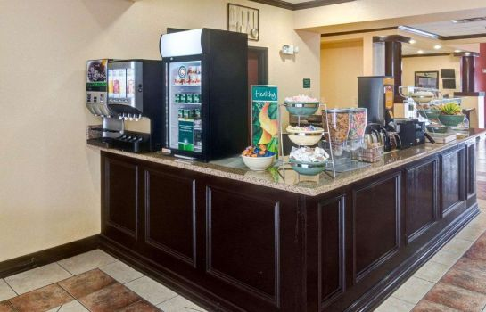 Restauracja Quality Suites Intercontinental Airport West