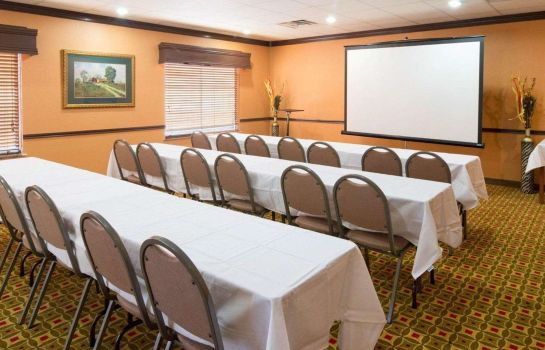 Sala konferencyjna Quality Suites Intercontinental Airport West