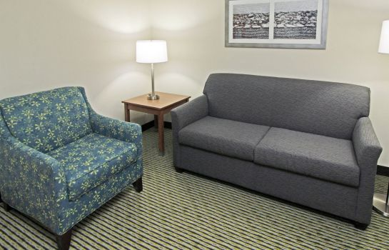 Zimmer Quality Suites Lake Wright - Norfolk Airport