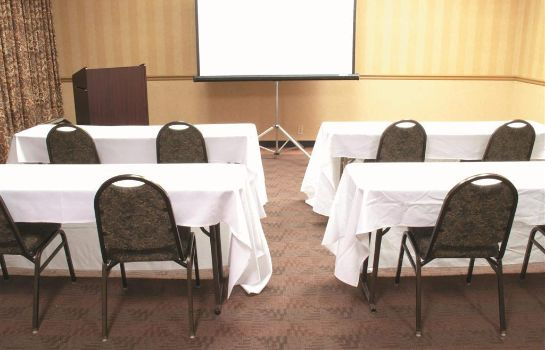 Conference room La Quinta Inn Ste Elmsford