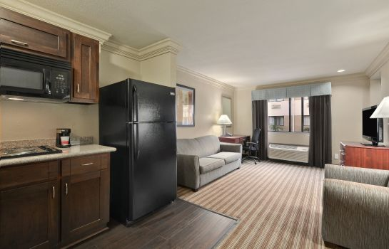 Suite Ramada by Wyndham Houston Intercontinental Airport South