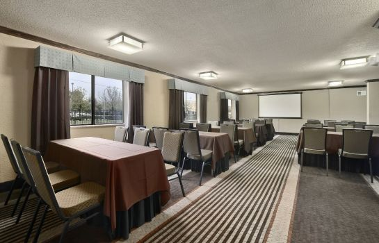 Salle de séminaires Ramada by Wyndham Houston Intercontinental Airport South