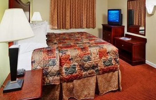 Room Orangewood Inn & Suites