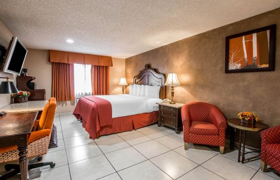 Zimmer Quality Inn & Suites Near The Border