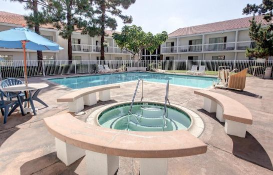 Whirlpool Motel 6 Santa Ana, CA - Irvine - Orange County Airport