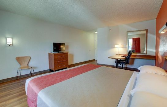 Standard room Motel 6 Santa Ana, CA - Irvine - Orange County Airport