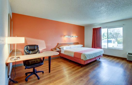 Habitación Motel 6 Irvine - Orange County Airport
