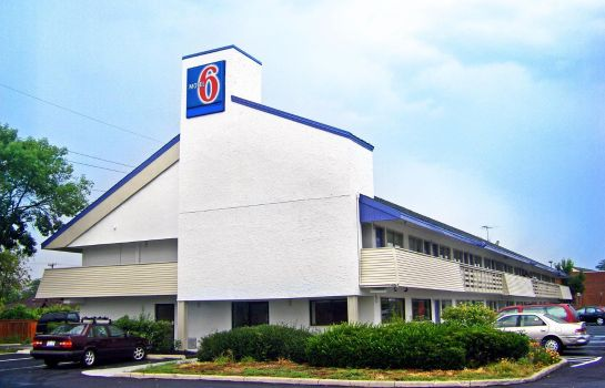 Buitenaanzicht MOTEL 6 COLUMBUS - OSU NORTH