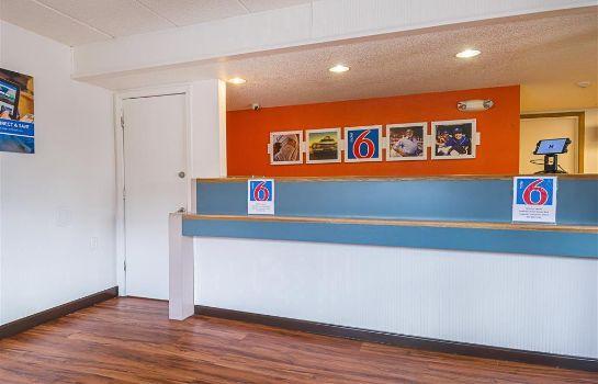 Lobby MOTEL 6 KNOXVILLE NORTH MOTEL 6 KNOXVILLE NORTH