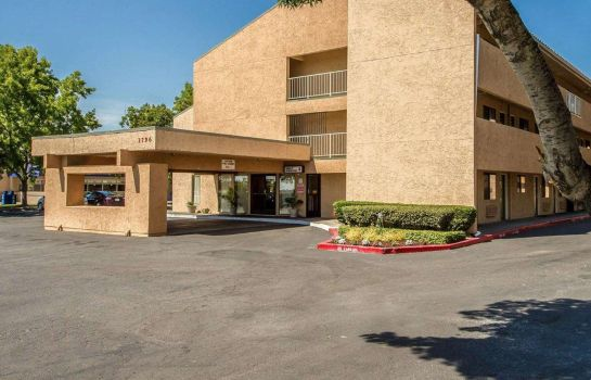 Vista esterna Econo Lodge Sacramento North