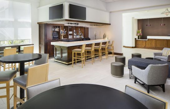 Hotel bar DoubleTree by Hilton Los Angeles  Commerce