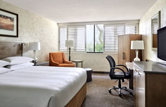Zimmer Marriott Phoenix Resort Tempe at The Buttes