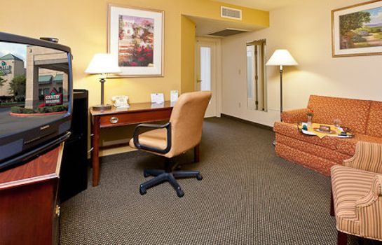 Suite WA  Bothell Country Inn and Suites By Carlson