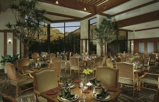 Hall THE LODGE AT VENTANA CANYON