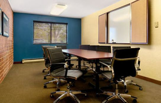 Conference room Excel Inn Milwaukee West