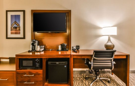 Camera Comfort Suites Downtown