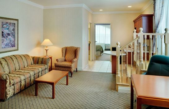 Suite Holiday Inn & Suites OAKVILLE @ BRONTE