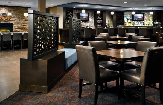 Hotel bar Delta Hotels Sault Ste. Marie Waterfront