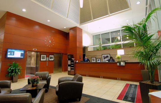 Vestíbulo del hotel Hampton Inn & Suites by Hilton Vancouver-Downtown