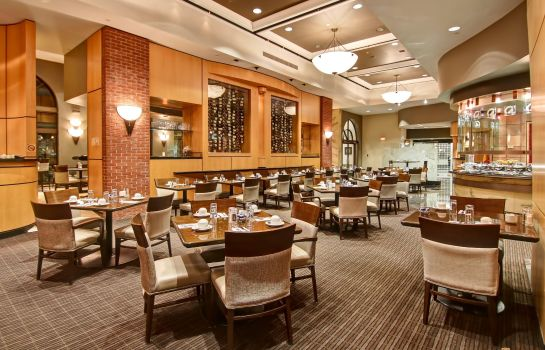 Restaurant DoubleTree by Hilton Toronto Downtown