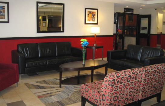 Lobby Quality Hotel Montreal East