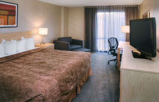 Room Quality Hotel Montreal East
