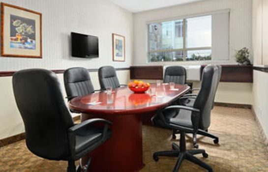 Conference room RAMADA LIMITED VANCOUVER AIRPO