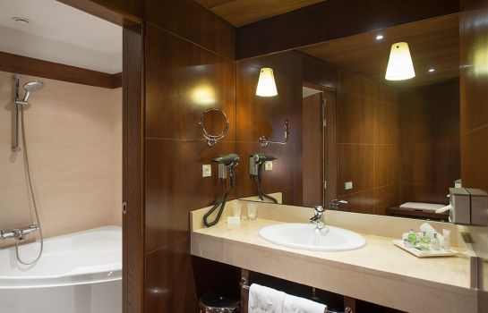 Badezimmer NH Collection Palacio de Burgos