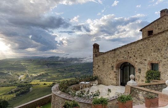 Hotelhalle Castello di Velona Resort - The Leading Hotels of the World