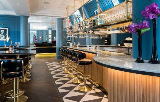 Hotel bar The Trafalgar St. James London Curio Collection by Hilton