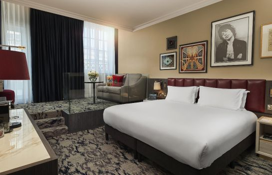 Suite The Trafalgar St. James London Curio Collection by Hilton
