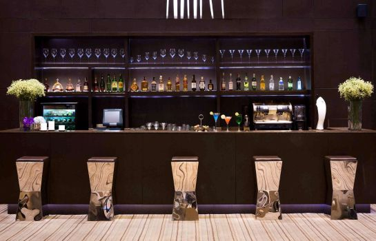 Hotel bar Grand Mercure Bangkok Fortune
