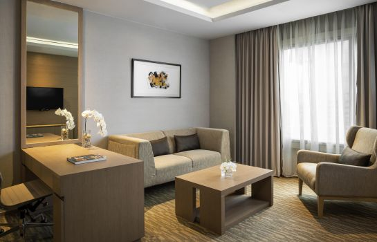 Suite Grand Mercure Bangkok Fortune
