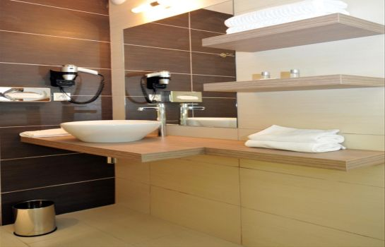 Badezimmer Sure Hotel by Best Western Reims Nord