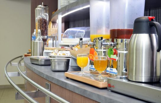 Frühstücks-Buffet Sure Hotel by Best Western Reims Nord
