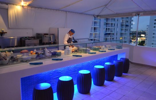 Bar del hotel San Juan Water Beach Club Hote
